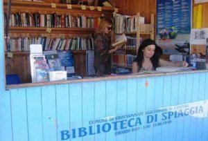 bioblioteca-di-spiaggia_grottammare